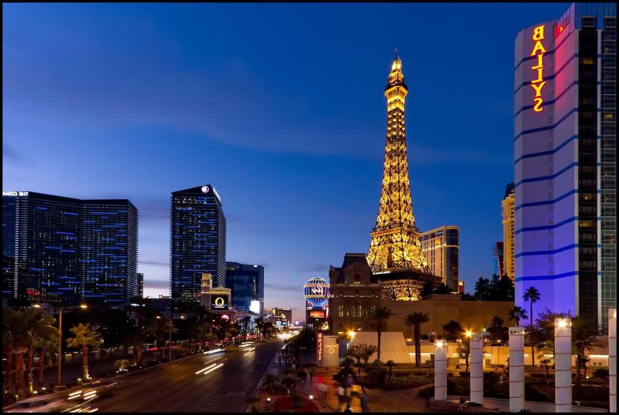 Vegas x free play